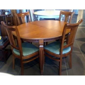 Обеденная зона (стол МН-011 +  стул Mature)